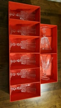 6 Crystal Wine Glasses