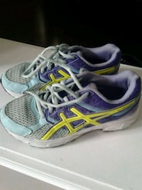 Running shoes size 4.5 Kitchener, N2K 4J7