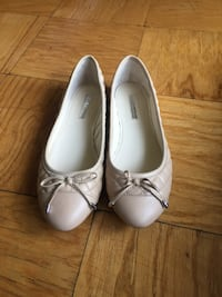 BRAND NEW BGBGeneration flats - size 8 WASHINGTON