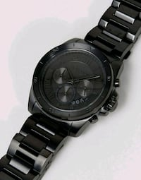 round black chronograph watch with link bracelet Uniontown, 15401