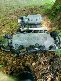 Honda D16Y7 engine w/ transmission $100 obo Hickory, 28601