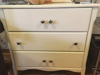 white wooden 3-drawer chest Pointe-Claire, H9R 2X2