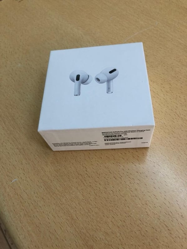 Apple airpods pro 3 1