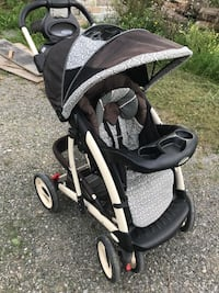 Black and white graco stroller Vaughan, L4L 5M6