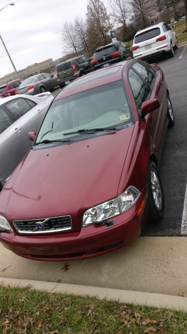Volvo - S40 - 2004 4d709ad5-d520-4059-9260-94bf422a034a