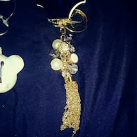 gold and white beaded necklace Richlands, 28574