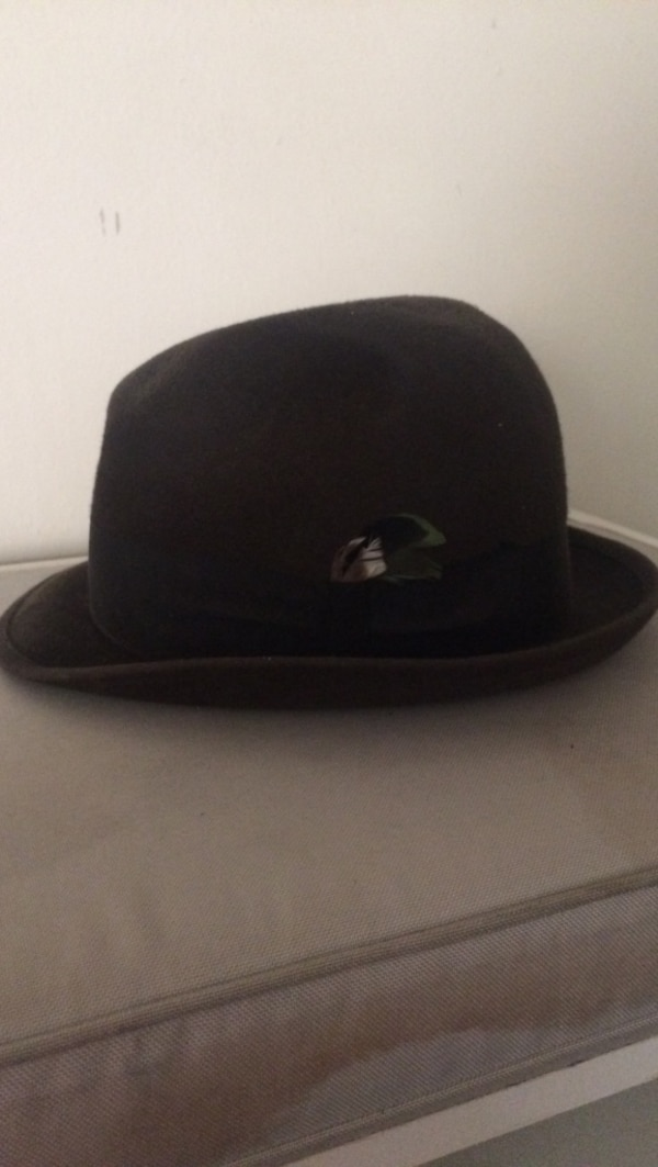 Used black suede fedora hat for sale in Guelph - letgo c31883b1ccf