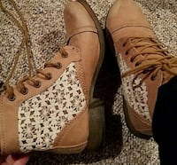 Tan Boots with white Lacey/ Floral sides  Knoxville, 37918