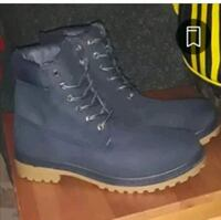 MENS SIZE 10 BOOTS St. Catharines