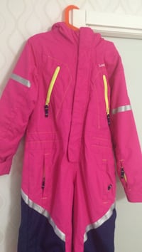 magenta zip-up jacka