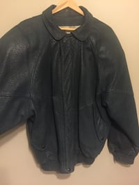 Vintage men's top grain Harry Rosen leather jacket vintage design neat fun piece for your wardrobe Ottawa, K1H 7K9
