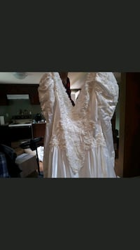 Wedding dress 478 km
