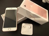 Rose Gold iphone 7 with box  Arlington Heights, 60005