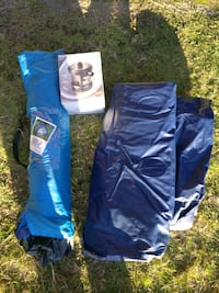 1 person tent with single air mattress and pump lot Richmond, V6Y 1N4