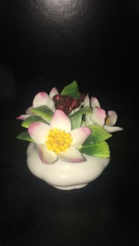 Ceramic flowers and trinkets 5$ each or best offer Calgary, T2N 4B7
