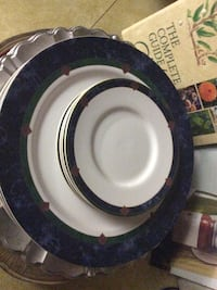 Pfaltzgraff Amalfi classics dinner ware set— 4 dinner plates, 4 cups and saucers,3 soup/cereal bowls and 4 Salad plates Catonsville, 21228