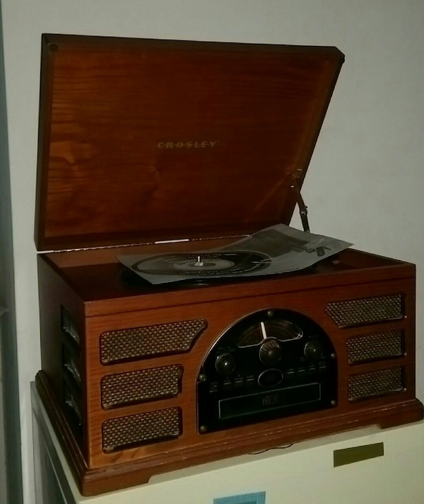 7b862b17c219 Used Crowley Record Player AM FM Radio CD Cassette for sale in Lawrenceville