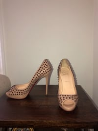 RARE Christian Louboutin Very Prive Nude Stud Los Angeles, 90046