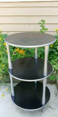 3 tiered side table Medford, 97501
