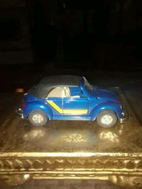 VINTAGE VW BEETLE CONVERTIBLE DIE CAST RARE FIND 1:36 SCALE  Providence