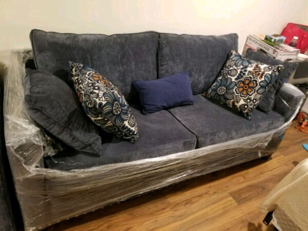 Used Melanie Sofa From Bob S Furniture For Sale In Brooklyn Letgo