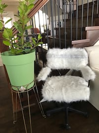 handcrafted for your living room / vanity accent chair Surrey, V4N 5R4