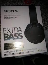 -Sony Wireless Noise Canceling Stereo HeadPhones null