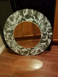 30 inch glass floral wall mirror  2062 mi