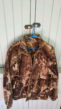 brown and black real tree camouflage zip-up jacket Grand Rapids, 55744