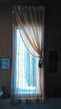 beige mesh window curtain Boisbriand, J7G