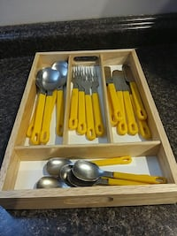 New wooden cutlery tray w cutlery  Mississauga