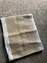 20 burlap and lace table runners Goshen, 46526