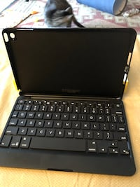 Bluetooth keyboard for ipad mini2 and one for mini4 Altamonte Springs, 32714