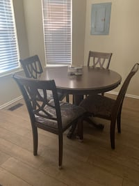 Moving - new kitchen table and chairs