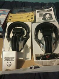 black and gray wireless headset Hamilton, L8H 4E9