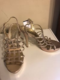 ADRIANNA PAPELL HEELS SIZE 7 (Negotiable) Pearcy, 71964