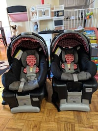 Graco Classic Connect car seats (Twins)