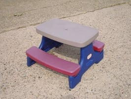 Little tikes small picnic table