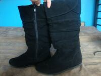 Sz 4 young ladies boots gently used Sacramento, 95826