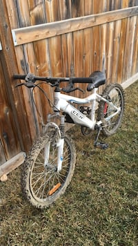 white and blue ccm mountain bike High River