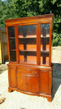 Solid mahogany China hutch Bartlett