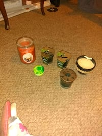 6 smell good candles $8 for all them Harrodsburg, 40330