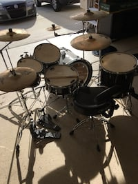 Yamaha drumset w/ everything + more
