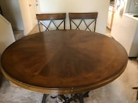 Round table with four chairs Edgewood, 21040