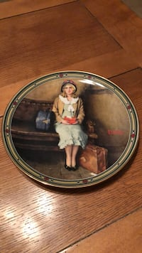 "VINTAGE KNOWLES ""A YOUNG GIRLS DREAM"" COLLECTOR PLATE LIKE NEW Littlestown, 17340"