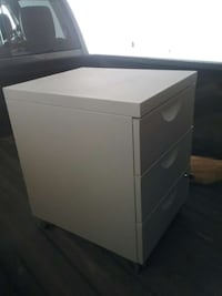 white plastic 3-drawer chest Burnaby, V3J