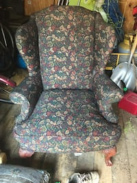 Set of 2 wing back chairs Louisville, 40220