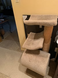 Short cat tree with scratching post Port Richey, 34668