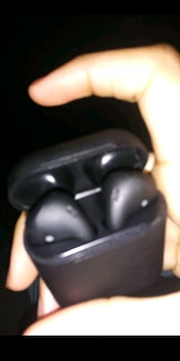 Vlack airpods