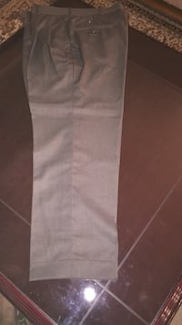 Brand new pleated green pant Toronto, M1W 1H4